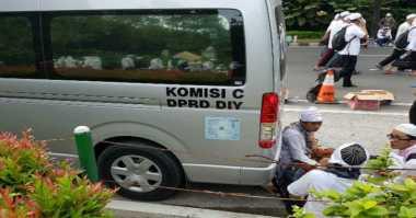 Ngaku untuk Urusan Pribadi, Mobil Komisi C DPRD DIY Tampak di Aksi 212