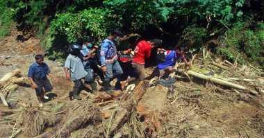 Banjir dan Tanah Longsor Melanda, 7 Keluarga di Wonogiri Terisolasi