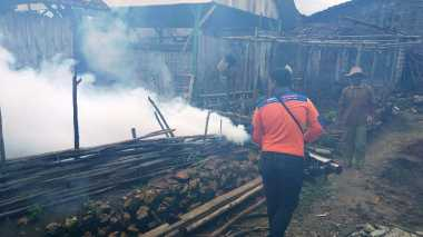 Giliran 200 KK Desa Jatisari Di-Fogging Rescue Perindo Jatim