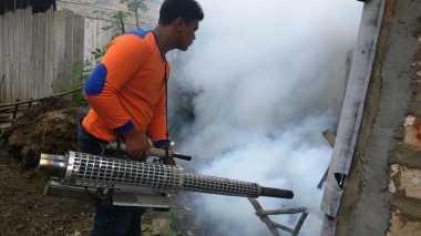 Bahagianya Warga Jatisari Tuban Dapat Fogging Gratis Perindo