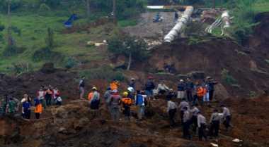 Penyabit Rumput Tertimbun Longsor di Sukabumi