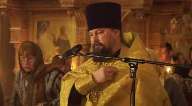 Video Skill Bermain Pedang Memukau Ala Pendeta Rusia