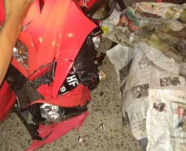 Seorang Perempuan Tewas saat Turun dari Angkot dan Ditabrak Motor