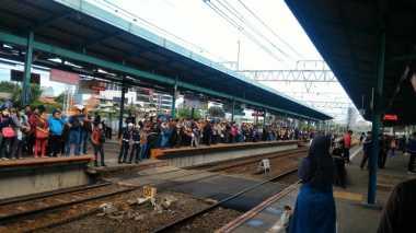 Ada Gangguan Listrik, Perjalanan KRL dari Bekasi Dialihkan Lewat Pasar Senen