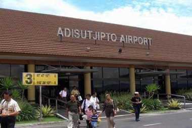 Hujan Deras, Runway Bandara Adisutjipto Ditutup Sementara