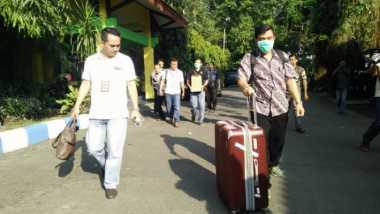 6 Jam Geledah Kantor Dinas PU Jombang, KPK Angkut Dokumen Proyek