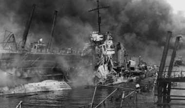 HISTORIPEDIA: Jepang Porak-porandakan Pearl Harbor
