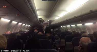 Momen Bayi Lahir di Pesawat Terekam di Video