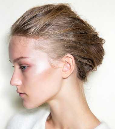 Gaya Rambut Terbaik untuk si Rambut Tebal dan Mengembang