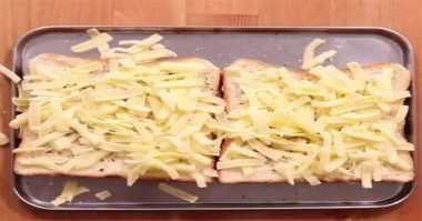 Bingung Besok Sarapan Apa? Bikin Roti Panggang Mozarella Keju Aja