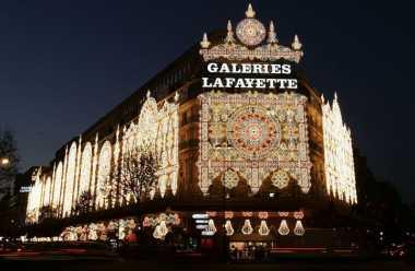 Lima Tempat Belanja Natal di Paris