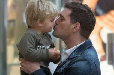 Jalani Pengobatan Kanker, Anak Michael Buble Akan Dioperasi