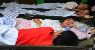 Longsor Terus Terjadi, Ratusan Warga Ponorogo Pilih Bertahan di Tenda Pengungsian