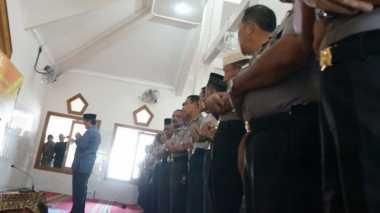 Ratusan Polisi Jombang Salat Gaib dan Galang Dana untuk Korban Gempa Aceh