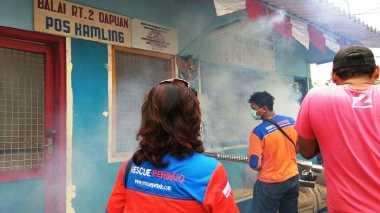 Rescue Perindo Fogging Kawasan Padat Penduduk di Surabaya