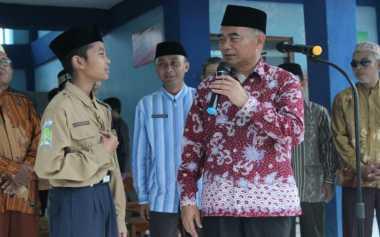Mendikbud Akan Jenguk Siswa Korban Gempa Aceh