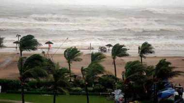 Ribuan Turis Terjebak di Pulau Andaman Akibat Hujan Deras