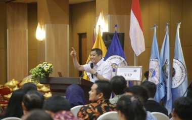 Nasihat Hary Tanoe untuk Wisudawan Universitas Widya Kartika