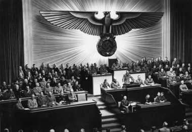 HISTORIPEDIA: Jerman Deklarasikan Perang terhadap Amerika Serikat