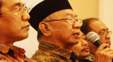 Gus Sholah Hargai Gagasan Pendirian Yayasan Peduli Pesantren