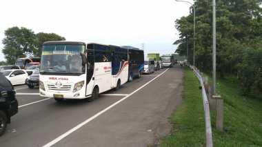 Long Weekend, Pintu Tol Ciawi Macet 3 Km