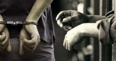 Polisi Ciduk Dua Pengedar Narkoba di Dalam Rumah