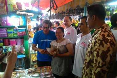 Blusukan ke Muara Karang, Sandiaga Janji Benahi Pasar Tradisional