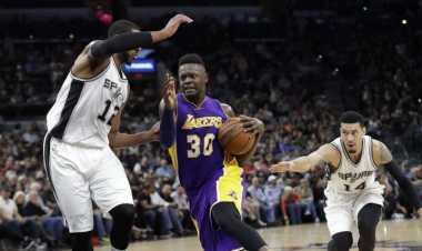 Spurs Hancurkan Lakers di AT&T Center