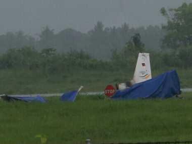 Pesawat Latih Jatuh, Penerbangan Komersial di Banyuwangi Sempat Delay
