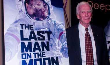 Gene Cernan, Pria Terakhir yang Berjalan di Bulan Tutup Usia pada 82 Tahun