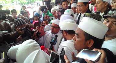 Sambangi DPR, Habib Rizieq Beberkan Kronologi Tindakan Anarkis GMBI
