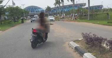 Dona yang Bugil saat Naik Motor Bekerja sebagai Pemandu Tamu Hotel
