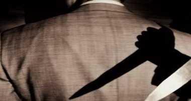 Terdakwa Pembunuhan Terkapar Usai Ditikam di Persidangan