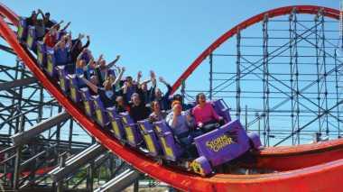 Roller Coaster Paling Mematikan di Empat Benua