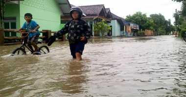Sungai Blukar Meluap, Puluhan Rumah Terendam Banjir