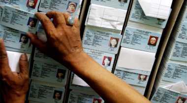 Blangko Habis, Dinas Bojonegoro Terbitkan 400 KTP Sementara per Hari
