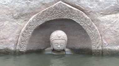 Patung Budha Berusia 600 Tahun Muncul dari Sumber Mata Air di China