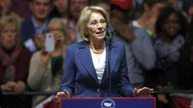 Calon Menteri Pendidikan AS Giat Advokasi Sekolah Swasta