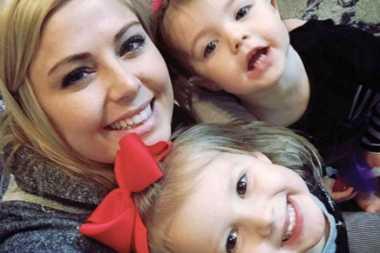 VIDEO: Berpikir Cepat, Ibu Ini Selamatkan Anak yang Tersedak