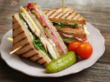 Sandwich Isi Tumis Daging, Sarapan Penuh Energi dan Mengenyangkan