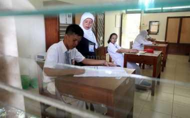 Menpan-RB Akan Larang Guru Pindah Mengajar ke Kota