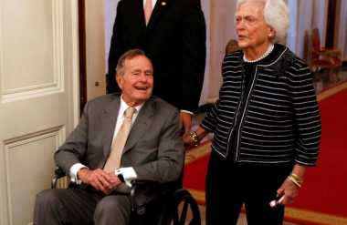 Mantan Presiden AS, George HW Bush dan Istri Dirawat Intensif