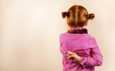 Tahukah Moms, Kedipan Anak yang Tak Biasa Mengindikasikan Kebohongan
