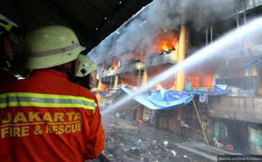 TOPNEWS: Ribuan Kios Pasar Senen Terbakar, Duka Pedagang di Awal Tahun