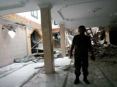 Masjid Al Hidayah Ambruk karena Gempa Sumut