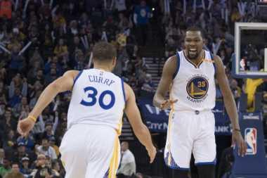 Taklukkan sang Mantan Tim, Kevin Durant Bawa Kemenangan Warriors