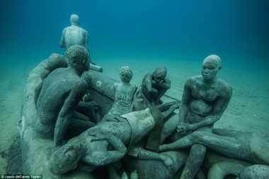 Sensasi Menyelami Museum Bawah Laut Pertama di Eropa