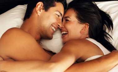Lakukan 5 Hal Ini Supaya Istri Puas di Atas Ranjang