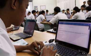 Sekolah di Bantul Khawatirkan Listrik Padam Saat UNBK