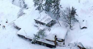 Bayi Selamat Setelah Tertimbun Longsor Salju 40 Jam di Italia